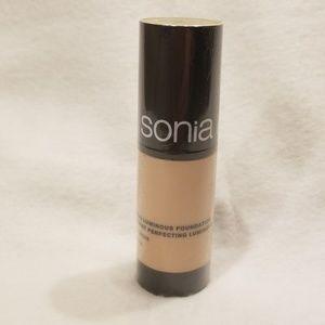 Sonia Kashuk Perfecting Luminous Foundation